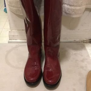 Leather cherry red water proof boots la Canadienne